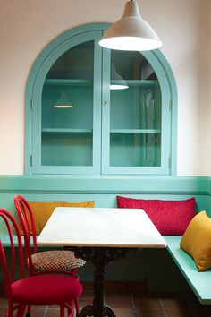 Reforma interior. Local . Bar. Vinoteca. Bueu. Sra. Farnsworth Estudio de Arquitectura. Fotografia: Pablo Senra.
