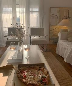 Design Living Room, Living Spaces, Dream Apartment, Aesthetic Rooms, City Aesthetic, Aesthetic Vintage, My New Room, House Rooms, My Dream Home