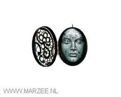 Vera Siemund - pendant/box, 2009, copper, iron, silver, enamel - 40 x 50 x 20 mm
