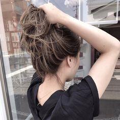 アディクシーカラー+ハイライト|goem所属・阪田育誠のヘアカタログ|好みのスタイルやデザインを見つけたら即予約!「なりたい自分」を叶えてくれる美容師を探せます♡!