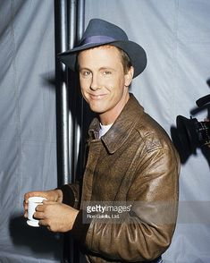 """Remembering actor #HarryAnderson who has passed away at the age of 65. Anderson best known for playing Judge Harry Stone on the NBC sitcom """"Night Court"""" was found in his home in North Carolina. So far no foul play suspected. Seen here at Comic Relief Benefit at the Universal Ampitheater in Universal City 11.14.87 #magician #NightCourt #MarkiePost #SNL #Cheers #RIP #JudgeHarryStone"""