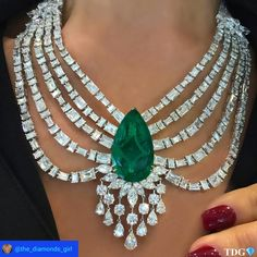 @the_diamonds_girl. SWEET DREAMS ARE MADE OF THIS!!!! For an emerald lover like me, this @mahallatijewellery emerald and diamond necklace pretty much rocked my world!!! Thank you to @alfardanjewelry - the finest jewelers at #djwe2017