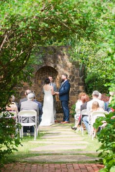 Cindy Medick Photography at Weston Gardens Wedding Venue in Fort Worth, Texas www.westongardensweddings.com #dallasvenue #forworthvenue #dfwvenue #fwvenue #texasvenue #txvenue #ftworthvenue #dallaswedding #fortworthwedding #dfwwedding #fwwedding #texaswedding #txwedding #ftworthwedding #westongardensinbloom #westongardenswedding #weddingphotography #bridalportraits #wedding #reception #txreception #weddings #herecomesthebride #ido #ceremony #outdoorwedding #gardenwedding #texasoutdoorwedding…