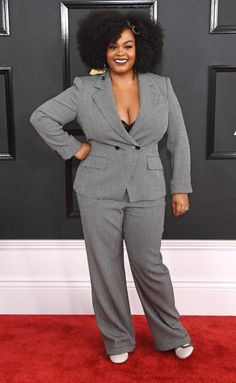 Jill Scott at Grammys 2017 Pear Shaped Outfits, Grammy Red Carpet, Grammys 2017, Curvy Inspiration, Jill Scott, Solange Knowles, Red Carpet Looks, Red Carpet Dresses, Style Guides