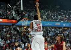 Winning shot! Final Four, Peugeot, Basketball Court, Passion, Sports, Istanbul, Red, Breakfast Nook, Hs Sports