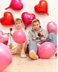 Happy Valentine's day 😍❤ be my Valentine pls😂🙏 valentines happy_valentines_day marcusandmartinus mmers be_my_valentine iloveyou Marcus Y Martinus, Dream Boyfriend, Love U Forever, Twin Brothers, Tumblr Boys, Beautiful Person, Loving U, Cute Guys, Happy Valentines Day