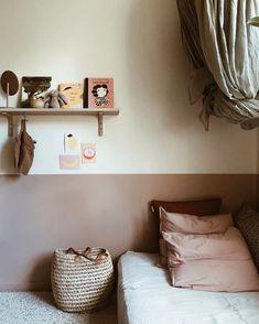 Blush tones for a kids room - Décoration de Jardin Bedroom With Bath, Master Bedroom Design, Baby Bedroom, Girls Bedroom, Modern Home Interior Design, Interior Design Living Room, Boy Room, Kids Room, Little Girl Rooms