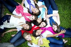 Great for a group of teen girls Picture Poses, Photo Poses, Picture Ideas, Photo Ideas, Cute Photos, Cute Pictures, Gals Photos, Group Photos, Bffs