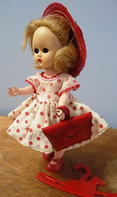 www.etsy.com/listing/124227989/8-vintage-ginger-doll-by-cosmopolitan