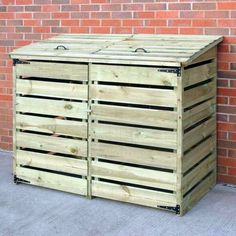 Shed Plans - A great place to store your garbage and recycling bins without being an eye sore - Now You Can Build ANY Shed In A Weekend Even If You've Zero Woodworking Experience! Garbage Can Shed, Garbage Can Storage, Shed Storage, Storage Bins, Bin Storage Ideas Wheelie, Bike Storage, Bin Shed, Palette Deco, Bin Store