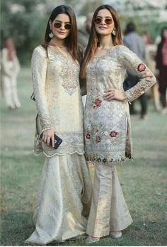 For Price & Queries Please DM us or you can Message/WhatsApp 📲 We provide Worldwide shipping🌍 ✅Inbox to place order📩 ✅stitching available🧣👗🧥 &shipping worldwide. 📦Dm to place order 📥📩stitching available SHIPPING WORLDWIDE 📦🌏🛫👗💃🏻😍 . Shadi Dresses, Pakistani Formal Dresses, Pakistani Wedding Outfits, Pakistani Dress Design, Dress Indian Style, Indian Dresses, Indian Outfits, Latest Pakistani Fashion, Pakistani Couture