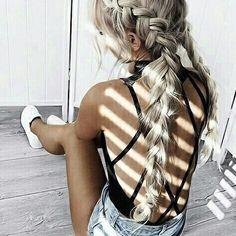 klawerswim:: Bom dia meninas  #crochet #crochetpassion #croptop #crochetbikini #crochettop #croche #handmadr #handwork #handmadeforyou  #handmadetop #handmadewithlove #tropical #tropic #beachwear #beach #summernight #summer #summerscommig #fashion #dress #dresstore #clothes