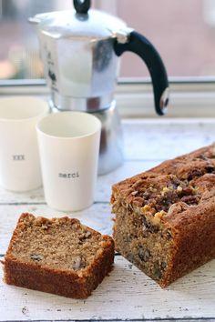 vanille, kaneel en walnoten cake. misschien met rozijnen en kruidkoekkruiden ipv kaneel.
