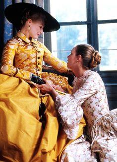 Glenn Close & Uma Thurman in 'Dangerous Liaisons (1988).
