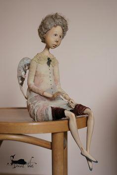 Daivos lėlės / Art Dolls. Sitting doll