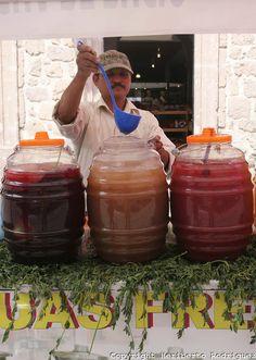 aguas frescas en Morelia de Jamaica ,de tamarindo y sandia