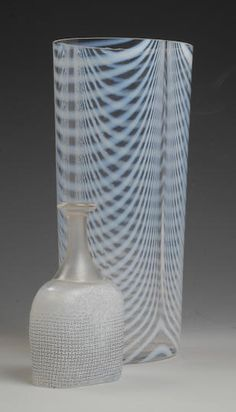 Bonhams Fine Art Auctioneers & Valuers: auctioneers of art, pictures, collectables and motor cars Kosta Boda, Present Day, Milk Glass, Scandinavian, Glass Art, Auction, Presents, Vase, Vintage