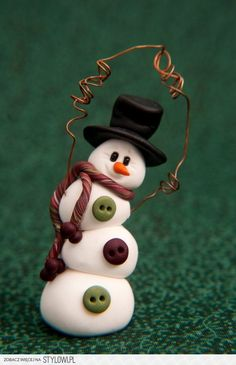 snowman ornament is so cute. I want to make more keepsake polymer clay ornaments this year!This snowman ornament is so cute. I want to make more keepsake polymer clay ornaments this year! Snowman Christmas Ornaments, Polymer Clay Christmas, Snowman Crafts, Christmas Snowman, Christmas Projects, Holiday Crafts, Christmas Photos, Salt Dough Christmas Decorations, Snowman Door
