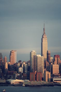 Empire State & New Yorker by Neo - nimajus on Flickr.