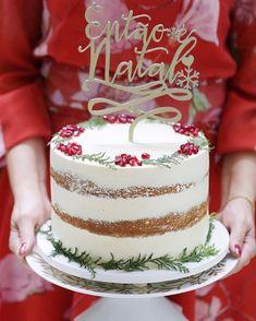 Holiday Cakes, Christmas Desserts, Christmas Themes, Plaid Christmas, Christmas Wedding, Xmas, Bolo Budweiser, Decoration Christmas, Candy Cakes