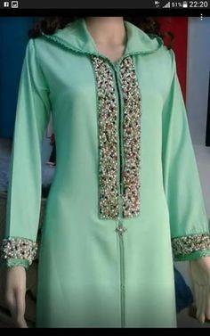 Salwar Designs, Kurti Neck Designs, Hijab Chic, Mirror Work Dress, Pretty Dresses, Dresses For Work, Fancy Kurti, Kurti Patterns, Moroccan Dress