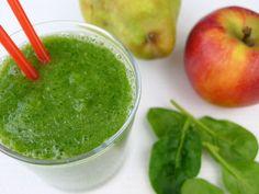 Een smoothie met fruit, gember en spinazie. Inderdaad, spinazie... En geloof mij maar dat het lekker is!  | http://degezondekok.nl