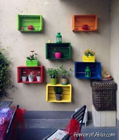 Gorgeous 30 best patio garden design ideas and low maintenance Source: Worldwide . - Gartengestatung 30 best patio garden design ideas and low maintenance Source: Worldwide ., best design garden ideen patio How to Diy Wall Planter, Wall Planters, Old Wooden Crates, Design Jardin, Wall Decor, Room Decor, Backyard Patio, Garden Projects, Garden Ideas