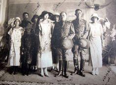 1924. King Vajiravudh and Princess Consort Laksamilawan pose with extended family.