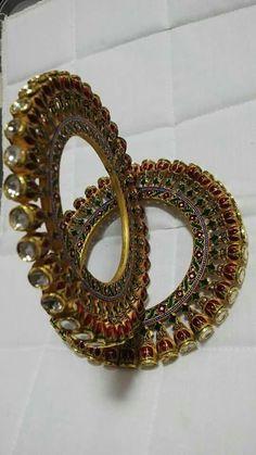 Satyanarayan J Jadia & Sons Jewellers Pvt Ltd Nose Jewelry, Hand Jewelry, India Jewelry, Jewelry Shop, Gold Bangles Design, Gold Earrings Designs, Gold Jewellery Design, Bridal Bangles, Bridal Jewelry