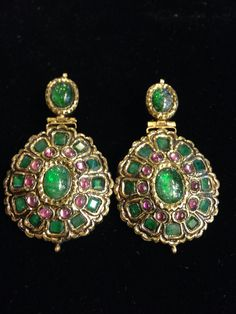 Bridal Vintage Silvertone Statement Chandelier Earrings with Pearls and Rhinestones made with Swarovski Elements - Top Drawer Jewelry India Jewelry, Ethnic Jewelry, Antique Jewelry, Vintage Jewelry, Traditional Indian Jewellery, Indian Jewellery Design, Jewelry Design, Emerald Earrings, Emerald Jewelry