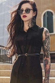Ideas For Fashion Vintage Photography Shirts Girls With Sleeve Tattoos, Girl Tattoos, Movie Tattoos, Key Tattoos, Skull Tattoos, Foot Tattoos, Popular Tattoos, Trendy Tattoos, Androgynous Models