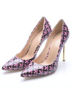 Black High Heel Weave Print Shoes 75.00  http://www.sheinside.com/Black-High-Heel-Weave-Print-Shoes-p-199988-cat-1750.html