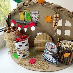 ОСЕННИЕ ПОДЕЛКИ С ДЕТЬМИ. Ёжик 🦔🍎 из бумажной..   Поделки и игры для детей   ВКонтакте Fun Crafts, Diy And Crafts, Arts And Crafts, Diy For Kids, Crafts For Kids, Pine Cone Christmas Decorations, Crafts For 2 Year Olds, Diy Room Decor For Teens, Craft Projects