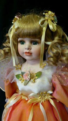 """Grande e Luxuosa Boneca De Porcelana Fada. """"The Fairy Queen"""". Peça Numerada…"""
