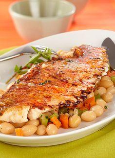 <p>Este plato es una buena opción si tiene invitados vegetarianos. El pescado y los vegetales van muy bien juntos y hacen un plato completo para un almuerzo o cena balanceados.</p>