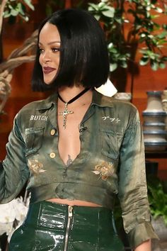Rihanna Umbrella look Wallpaper Rihanna Female celebrities mobile Wallpapers) – Wallpapers Mobile Rihanna Mode, Rihanna Riri, Rihanna Style, Smart Hairstyles, Rihanna Hairstyles, Bob Hairstyles, Rihanna Short Haircut, Bob Haircuts, Jenna Coleman