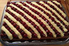 Sauerkirsch – Vanille – Schnitten Sour cherry – vanilla – slices, a popular recipe in the category of cakes. Easy Smoothie Recipes, Easy Smoothies, Easy Cake Recipes, Cupcake Recipes, Sweet Recipes, Snack Recipes, Easy Vanilla Cake Recipe, Homemade Frappuccino, Coconut Recipes