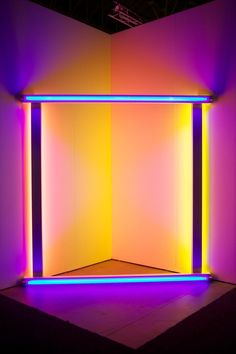 Chicago Contemporary and Modern Art Fair | Expo Chicago | Exposition Chicago. Light art installation