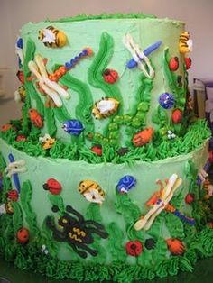 Bug Birthday cake - might not be quite that talented! Bug Birthday Cakes, Birthday Party Drinks, Leo Birthday, 4th Birthday Parties, Birthday Ideas, Happy Birthday, Fondant, Bug Cake, Backyard Birthday