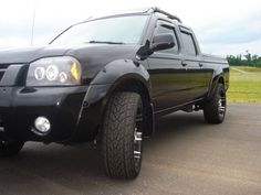 Dashzracing would like to introduce the 2001-2004 Nissan Frontier Halo LED Projector Headlights