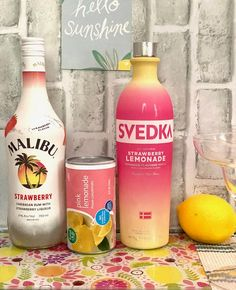 Svedka Strawberry Lemonade, Pink Lemonade Vodka, Strawberry Drinks, Alcoholic Lemonade Drinks, Malibu Rum Drinks, Beach Drinks, Alcoholic Beverages, Mixed Drinks Alcohol, Alcohol Drink Recipes