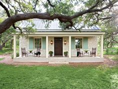 Charming Texas Farmhouse Curb Appeal - Southern Living