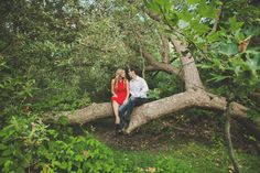 Sara and Spencer's engagement session photographed by Teale Gunter #myweddingmag