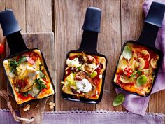 Colorful and always new - with the pizza raclette, everyone can make their own mini pizza! And with the normal raclette grill. Gourmet Pizza Recipes, Grilled Pizza Recipes, Vegetarian Pizza Recipe, Deep Dish Pizza Recipe, Mini Pizzas, Pizza Raclette, Raclette Ideas, Raclette Party, Raclette Originale