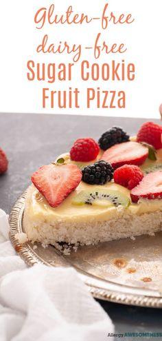 Gluten-free Vegan Sugar Cookie Fruit Pizza (Nut free too!) - Allergy Awesomeness: Desserts - Gluten-free Vegan Sugar Cookie Fruit Pizza (Nut free too!) Dessert recipe by AllergyAwesomenes. Dairy Free Sugar Cookies, Sugar Cookies Recipe, Gluten Free Baking, Vegan Gluten Free, Paleo, Sugar Free Fruits, Dairy Free Cream, Dessert Pizza, Allergy Free Recipes