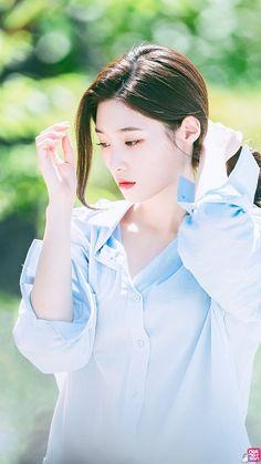 K-Pop Babe Pics – Photos of every single female singer in Korean Pop Music (K-Pop) Cute Asian Girls, Beautiful Asian Girls, Kpop Girl Groups, Kpop Girls, Korean Beauty, Asian Beauty, Jung Chaeyeon, Choi Yoojung, Kim Sejeong