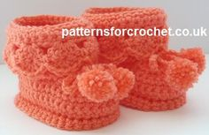 Booties for Best, free crochet pattern on Patterns for Crochet. Available in US or UK abbreviations versions.
