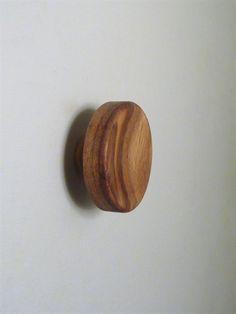 Knop knage m. hals ( til bøjle ) og skrue, patineret lyst træ, lille - EGNET TIL VÆG.
