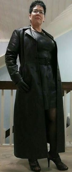 Long Leather Coat, Black Leather, Leather Jacket, Latex Cosplay, Latex Dress, Fall Outfits, Attitude, Mistress, Jackets