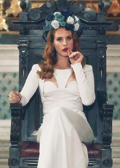 Lana Del Rey The goddess Born to die Elizabeth Woolridge Grant, Elizabeth Grant, Indie, Lana Banana, Pretty People, Beautiful People, Beautiful Women, Born To Die, Trip Hop